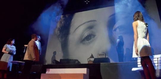 Piaf le temps dilluminer avec copyright