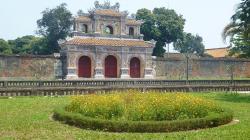 Porte chuong duc cite imperiale